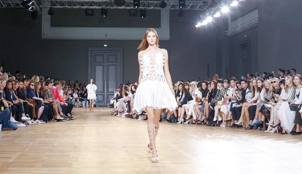 Vestidos brancos que são tendência