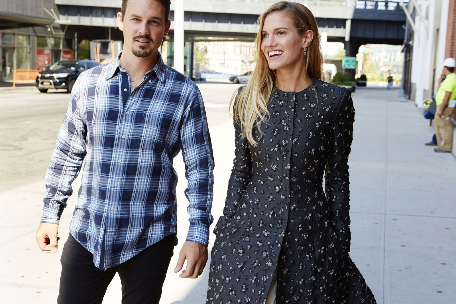 Kristopher e Laura, da Brock Collection. Foto: Vogue US.