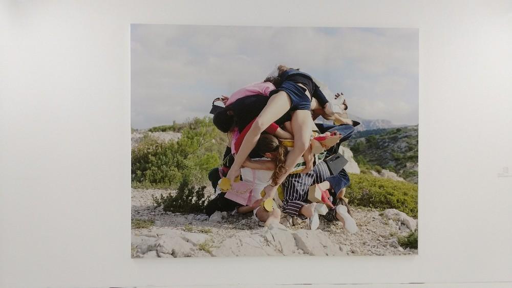 Fotos de David Luraschi para o projeto, com os calanques de Marselha ao fundo
