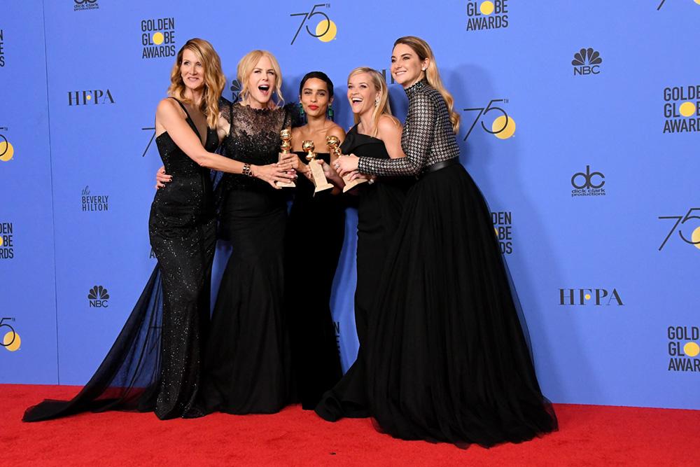 "Time completo de ""Big Little Lies"", premiada com o título de Melhor Minissérie: Laura Dern, Nicole Kidman, Zoe Kravitz, Reese Witherspoon e Shailene Woodley."