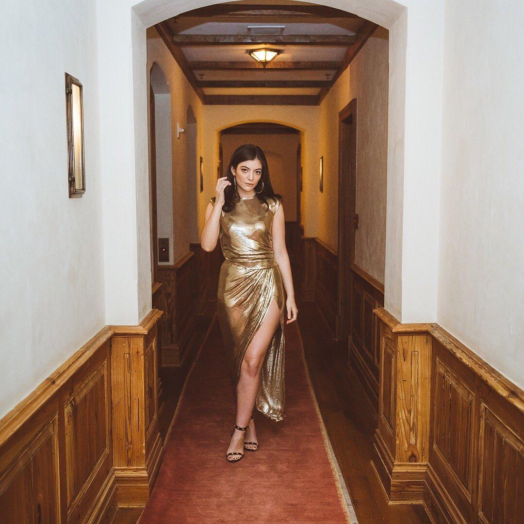 Lorde, de Versace