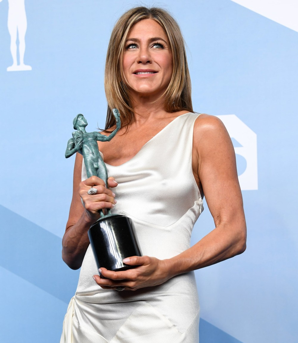 Get This Look Jennifer Aniston In Dior Samyysandra Com